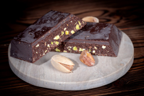 Healthy Chocolate Nut Slices..to improve you and your babies health!