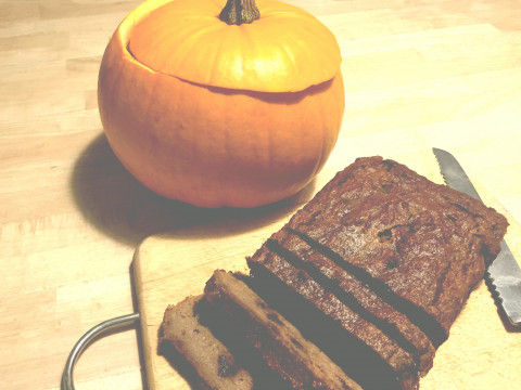 The Best Pumpkin and Chocolate Chip Bread